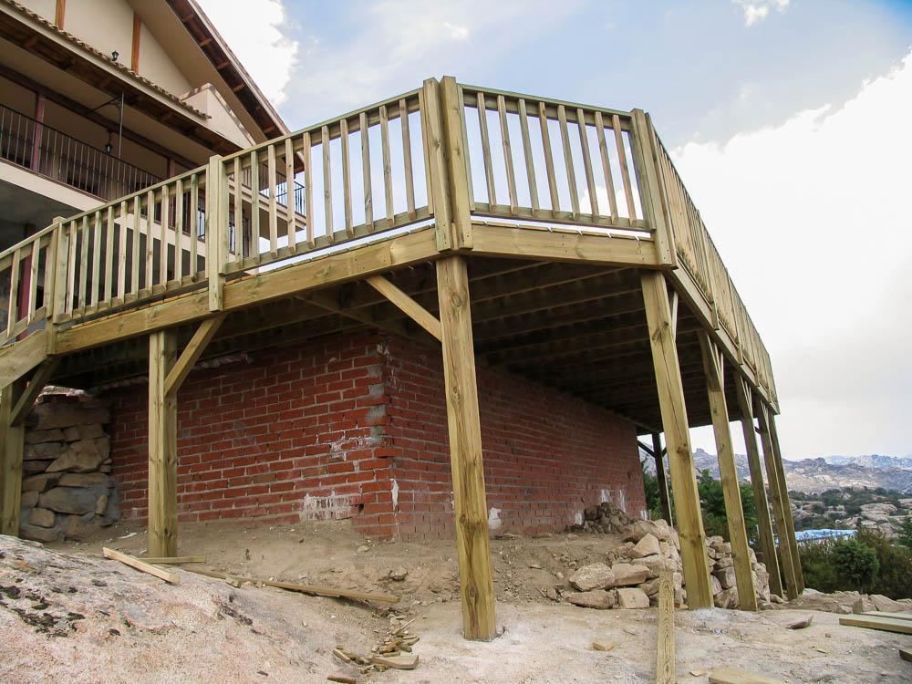 Deck de madera en Altura (2)
