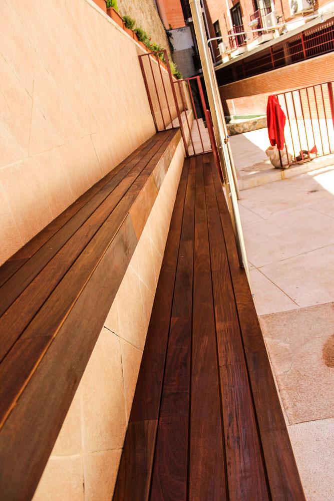 Tarima de madera en bancos escaleras jardineras tarima de exterior tarima de interior - Tarima madera interior ...